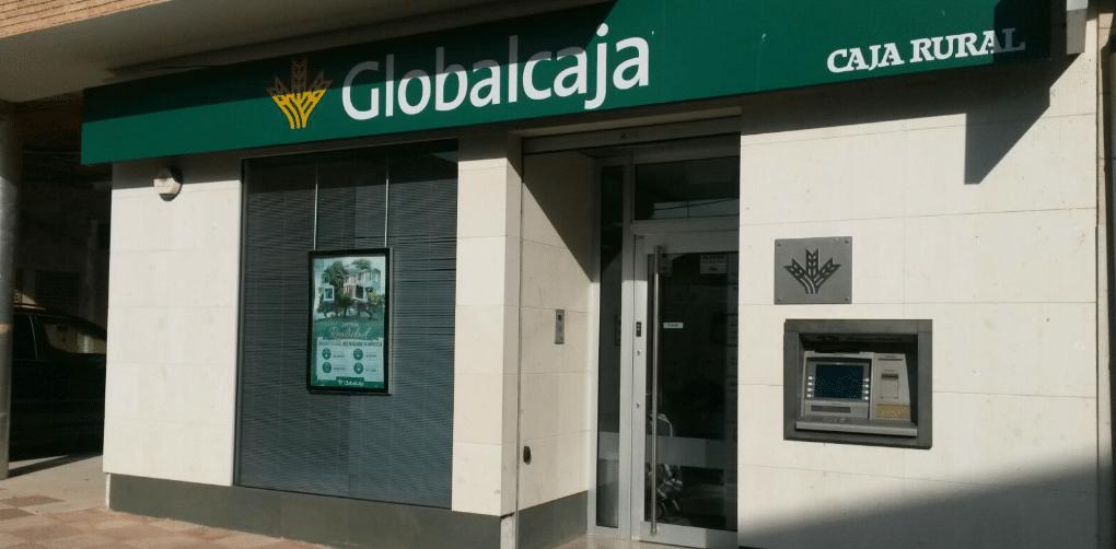 Globalcaja apoya al sector agrario con el Anticipo de la Campaña de Uva 2015