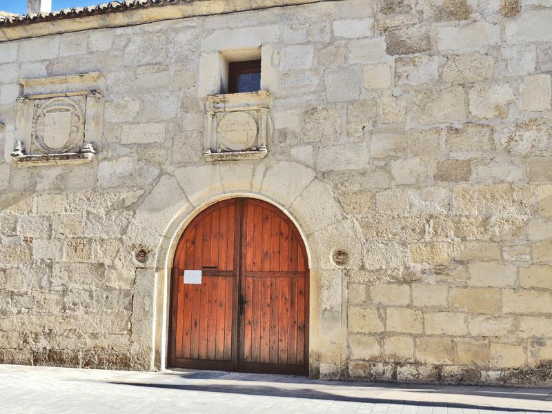 Palacio de la Familia Mendoza en Tamajón (Fuente: Wikipedia)