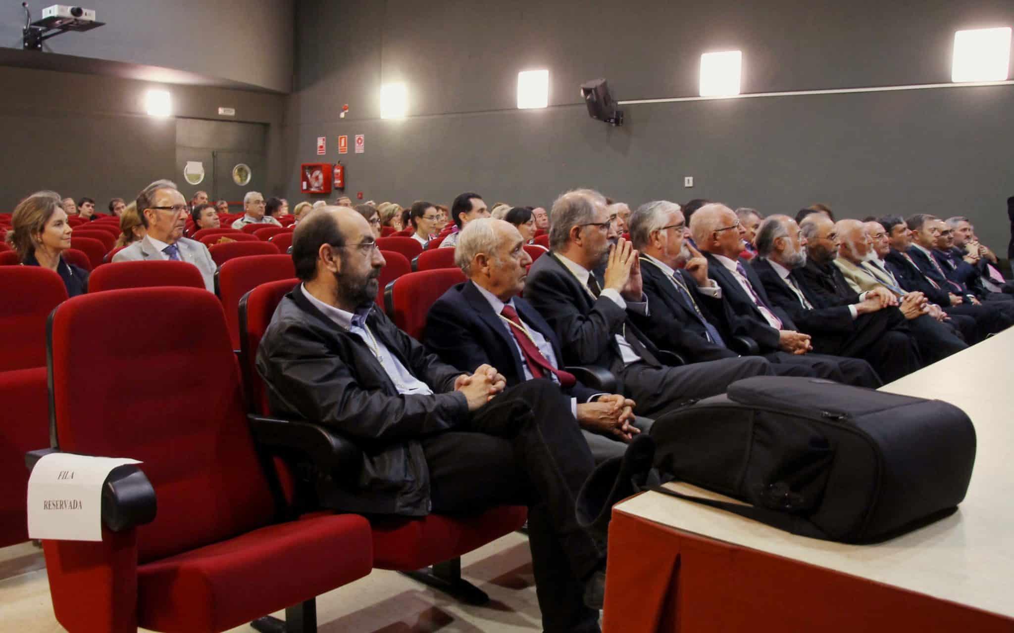 https://blog.globalcaja.es/wp-content/uploads/2015/10/RACAL_inauguracion-curso-2015-16-014_R.jpg