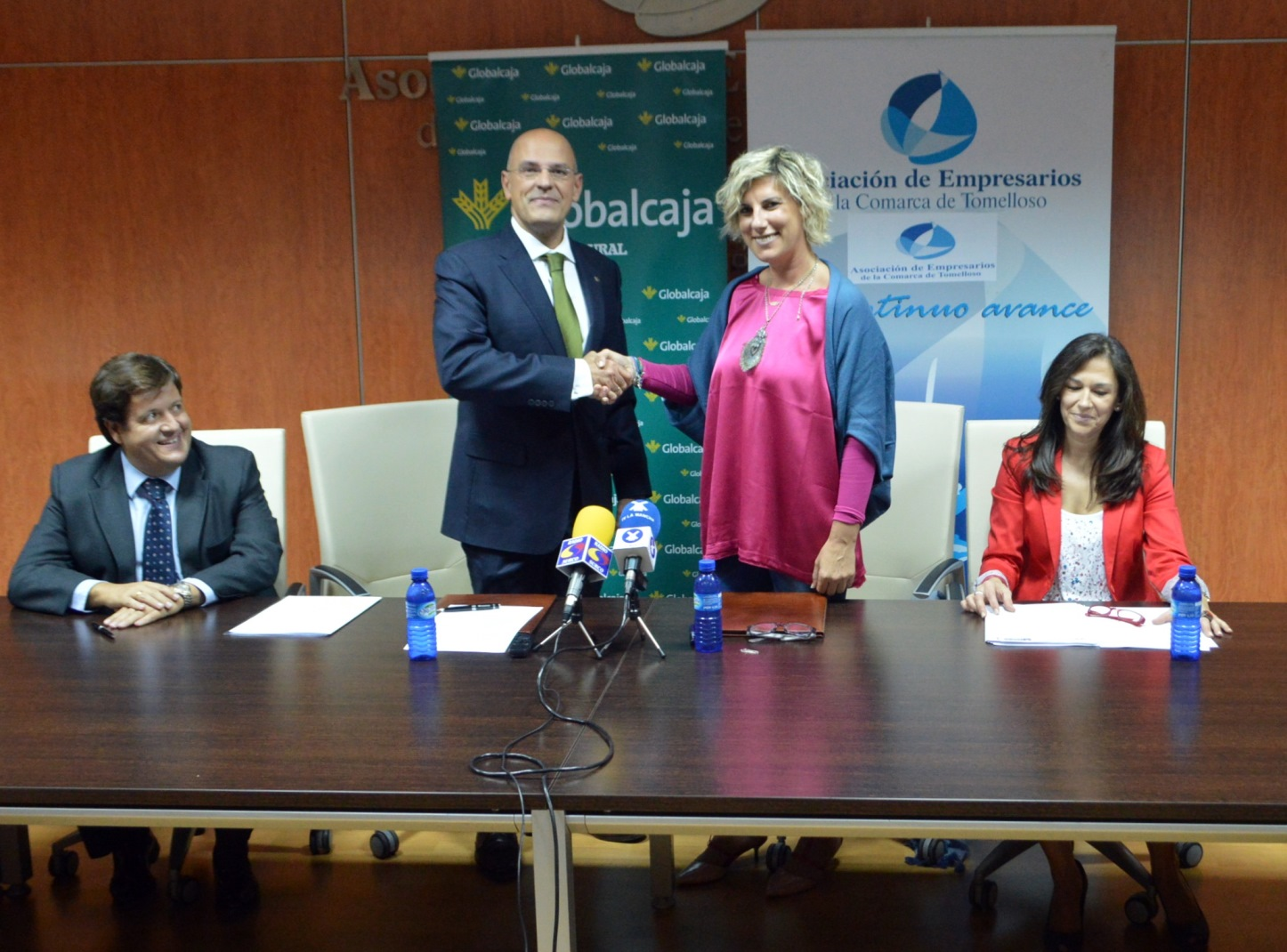 La Asociación de Empresarios de la Comarca de Tomelloso y Globalcaja firman un beneficioso acuerdo de colaboración