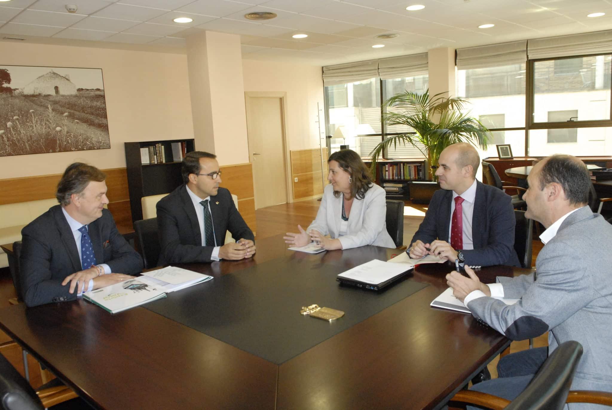 Globalcaja apoya la prefinanciación para los ayuntamientos del Plan Extraordinario por el Empleo