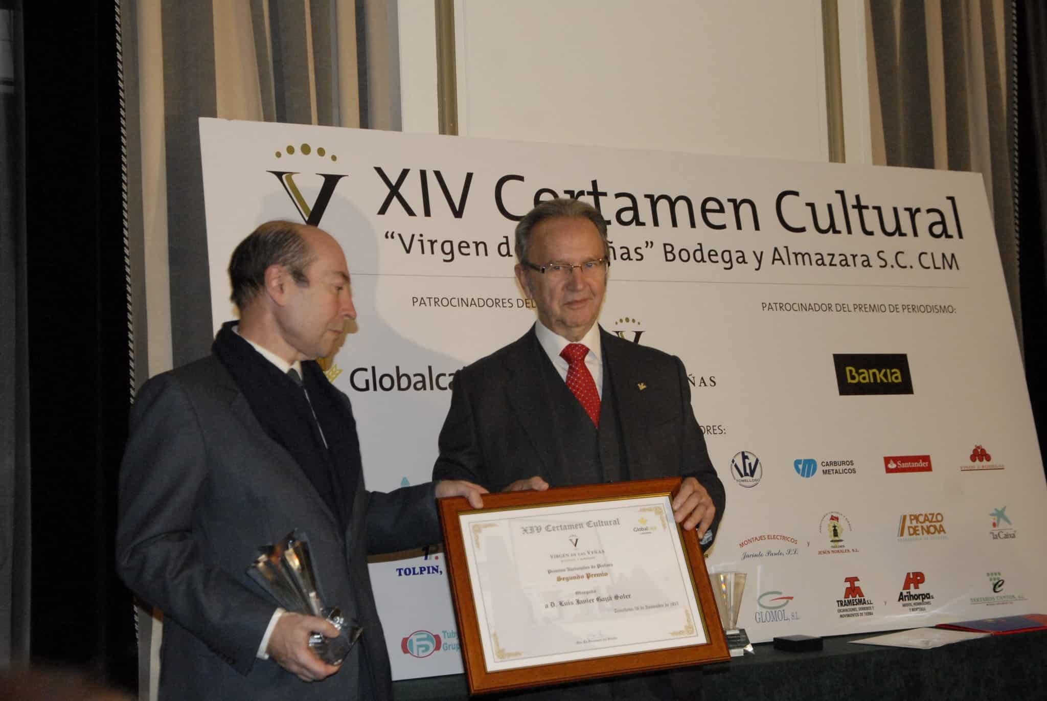 Globalcaja entrega el 2º premio de pintura del certamen cultural Virgen de las Viñas
