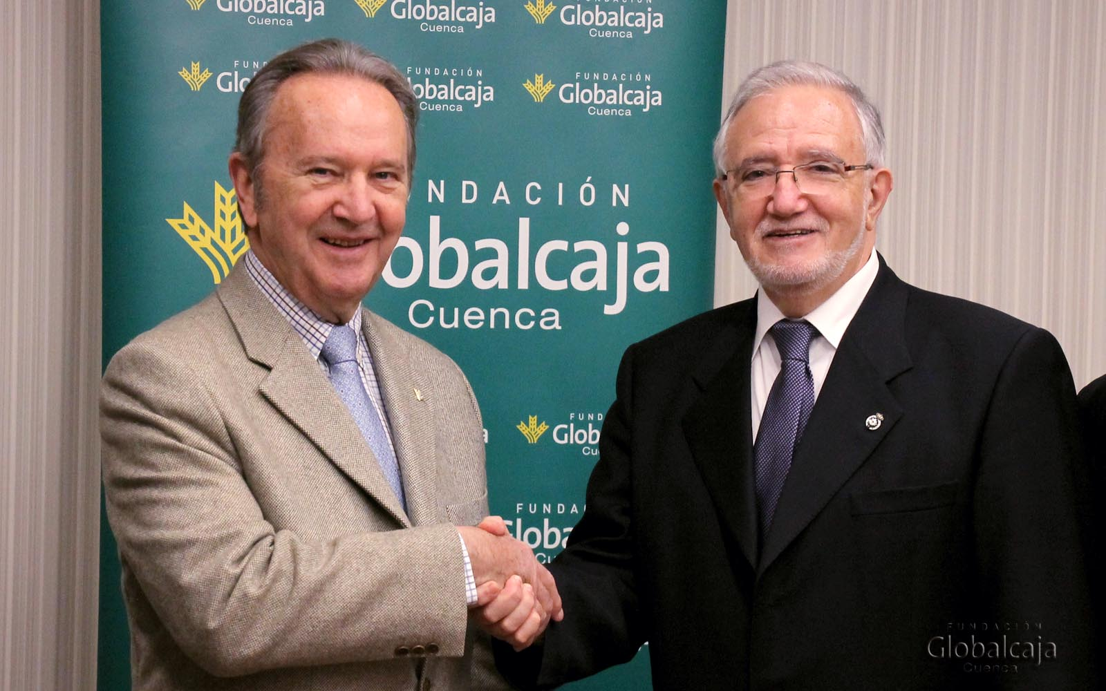 https://blog.globalcaja.es/wp-content/uploads/2015/12/FIRMA-CONVENIO_Cruz-Roja-6_W.jpg