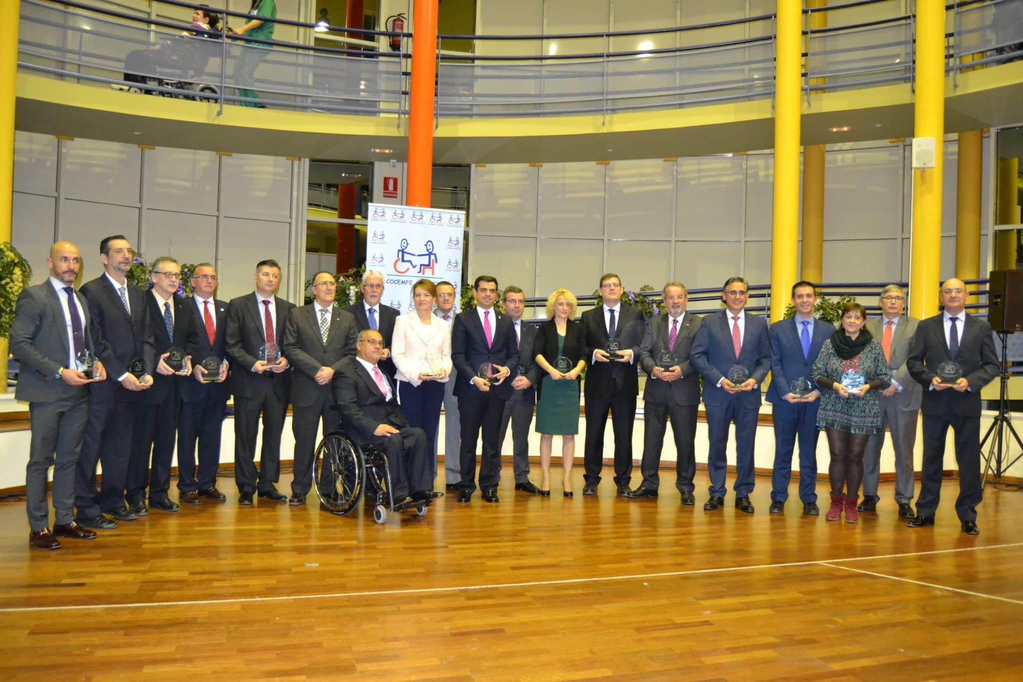 https://blog.globalcaja.es/wp-content/uploads/2015/12/Foto-familiar-25-Aniversario.jpg