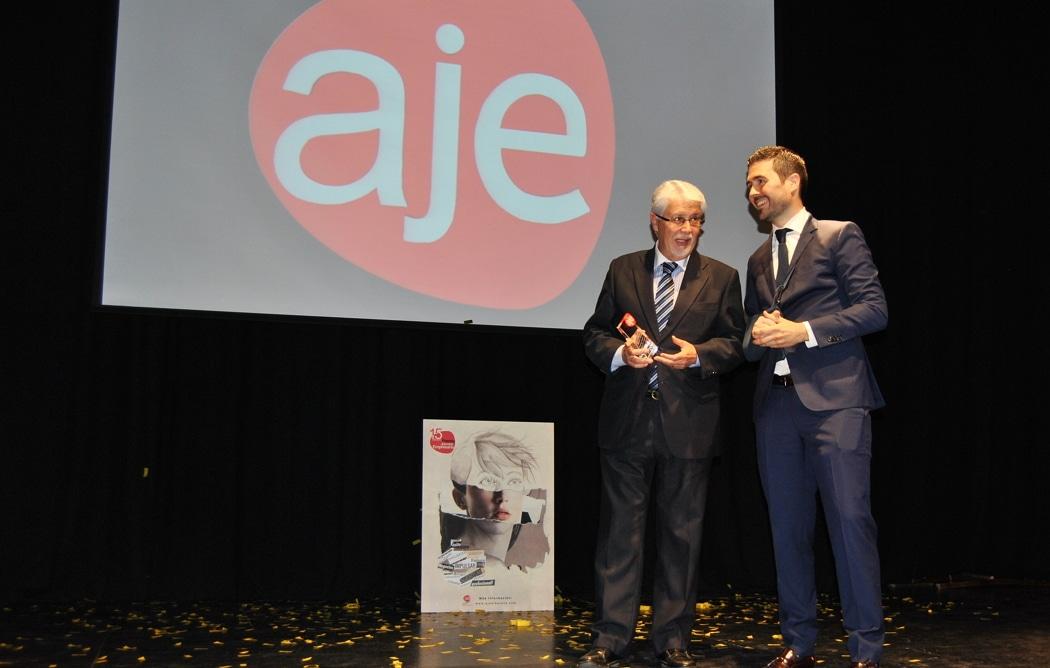 Foto reconocimiento Ortuño.Premios AJE (2)