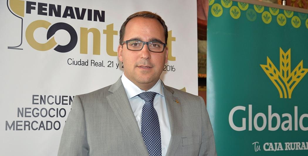 https://blog.globalcaja.es/wp-content/uploads/2016/06/Firma-convenio-Fenavin-Contac-y-Globalcaja-2.jpg