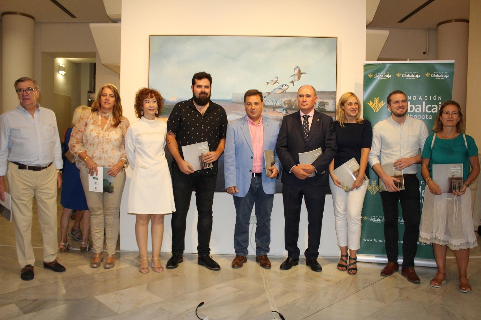 Manuel Serrano anima a los albaceteños y visitantes a disfrutar de la Exposición 'Premio Artes Plásticas' del Ayuntamiento de Albacete