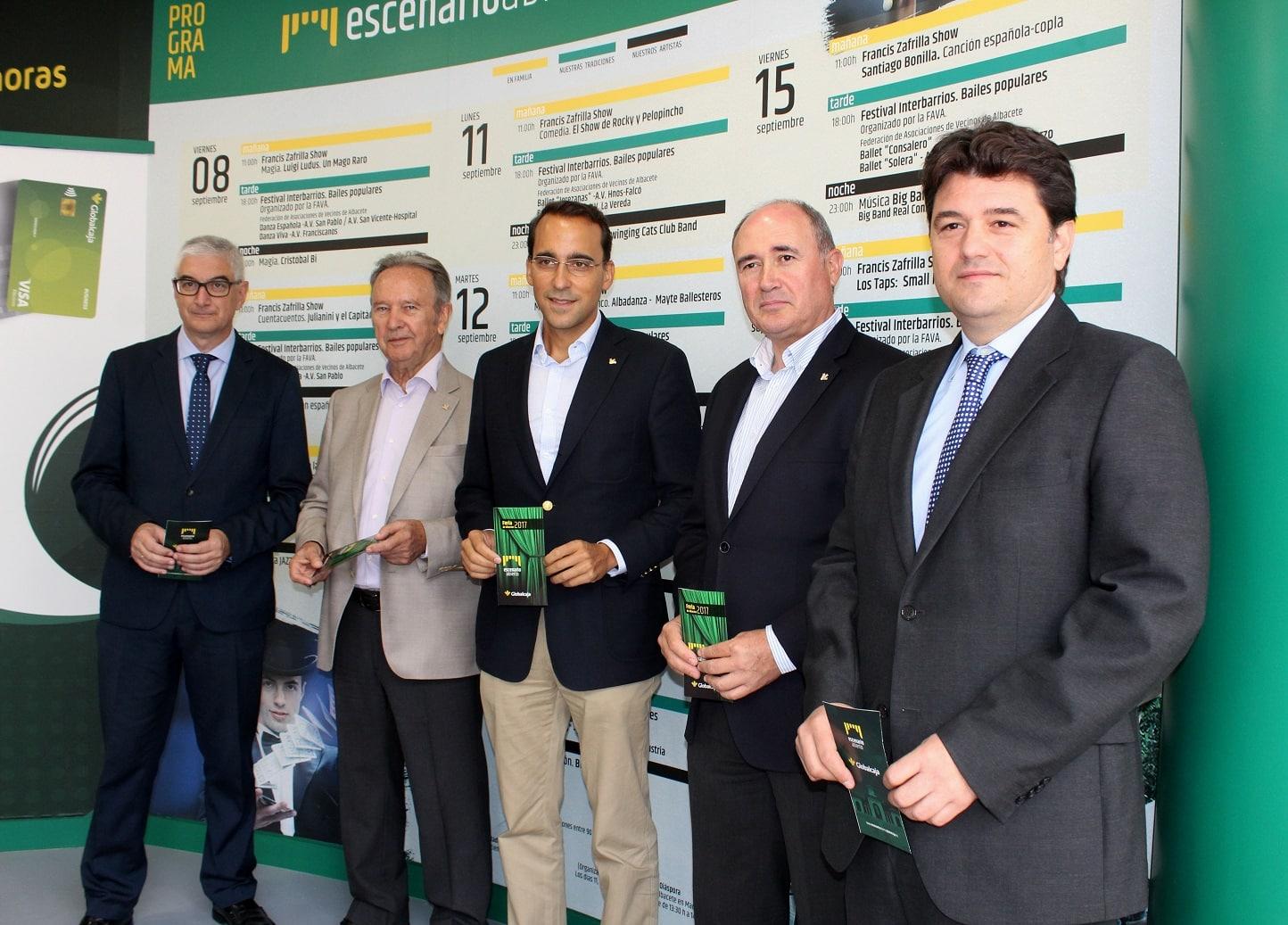 Francisco Navarro agradece a Globalcaja su compromiso con la cultura, nuestras tradiciones y los artistas locales durante la Feria de Albacete