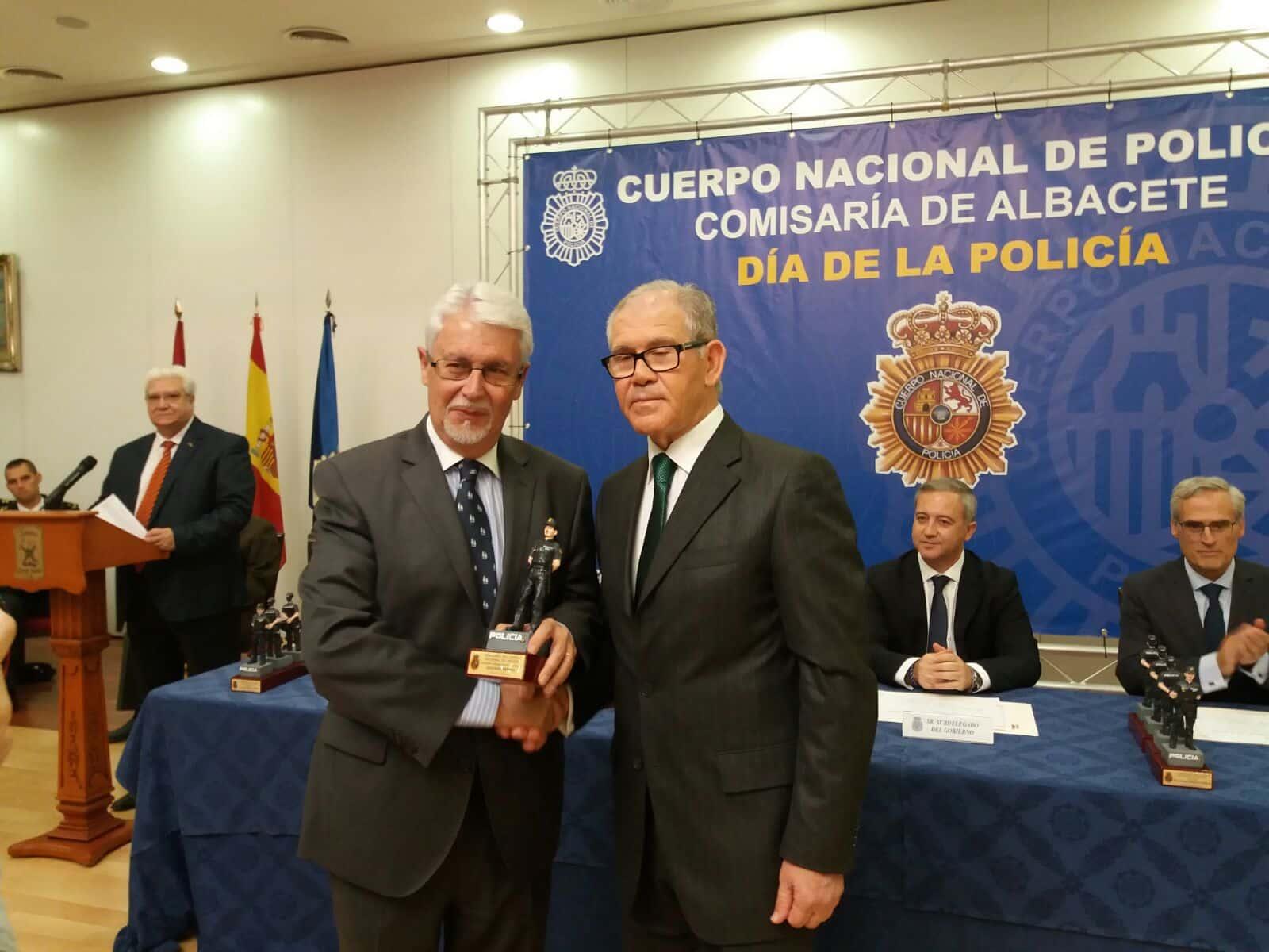 """NUEVO APOYO DE LA FUNDACION GLOBALCAJA ALBACETE AL CERTAMEN LITERARIO """"POLICIA DE ALBACETE"""""""