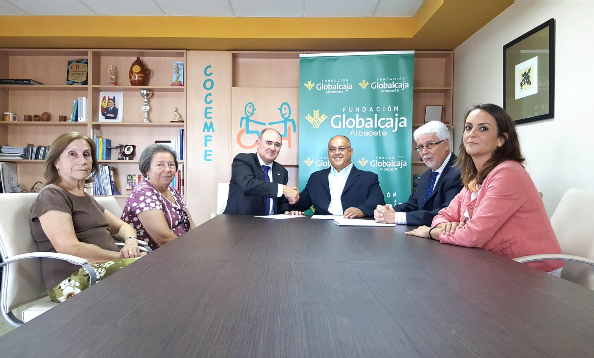 LA FUNDACION GLOBALCAJA ALBACETE RENUEVA SU APOYO CON COCEMFE