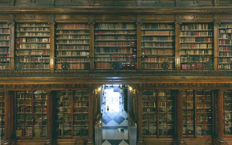 ¿Sabías que… la Biblioteca del Alcázar de Toledo es una de las que más historia tiene de la región?