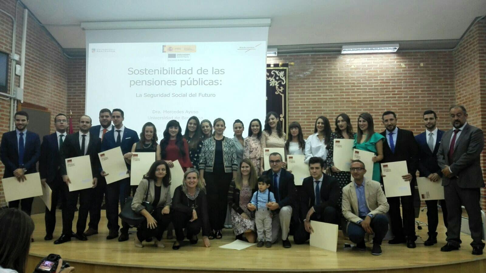 https://blog.globalcaja.es/wp-content/uploads/2017/10/clausura-master-entidades-de-credito.jpg