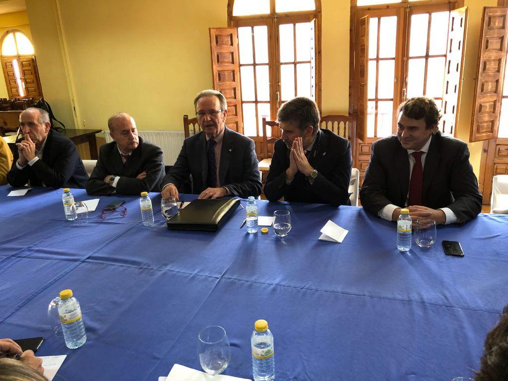 El Presidente de Globalcaja, Carlos De La Sierra, con La Comisión Especial del Senado para luchar contra la despoblación de Cuenca