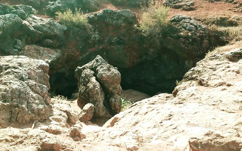 ¿Sabías Que… Don Quijote estuvo en La Cueva de Montesinos en Las Lagunas De Ruidera?