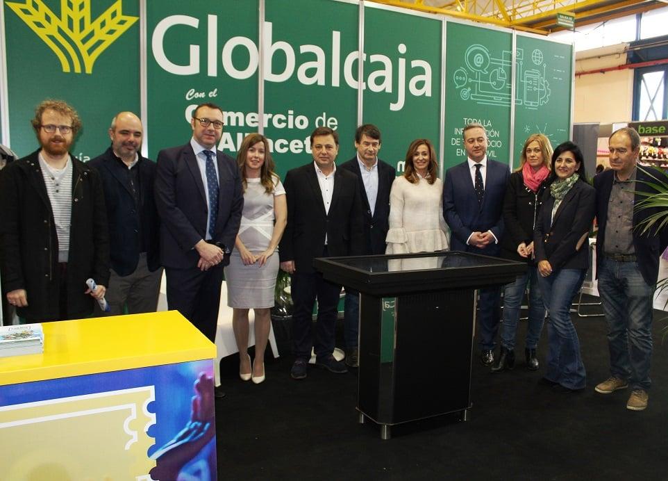 Globalcaja muestra, con gran éxito, en Comercia servicios y productos específicos para el comercio y sus clientes