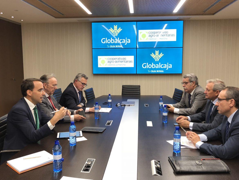 Globalcaja y Cooperativas Agro-Alimentarias de CLM estudian acciones para proseguir con el fortalecimiento del sector