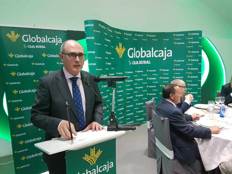 Más de 500 profesionales del sector agrario y ganadero, en el encuentro de Gobalcaja en Expovicaman