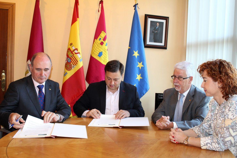El Ayuntamiento y la Fundación Globalcaja suscriben un convenio por valor de 6.000 euros para desarrollar la programación cultural 2018
