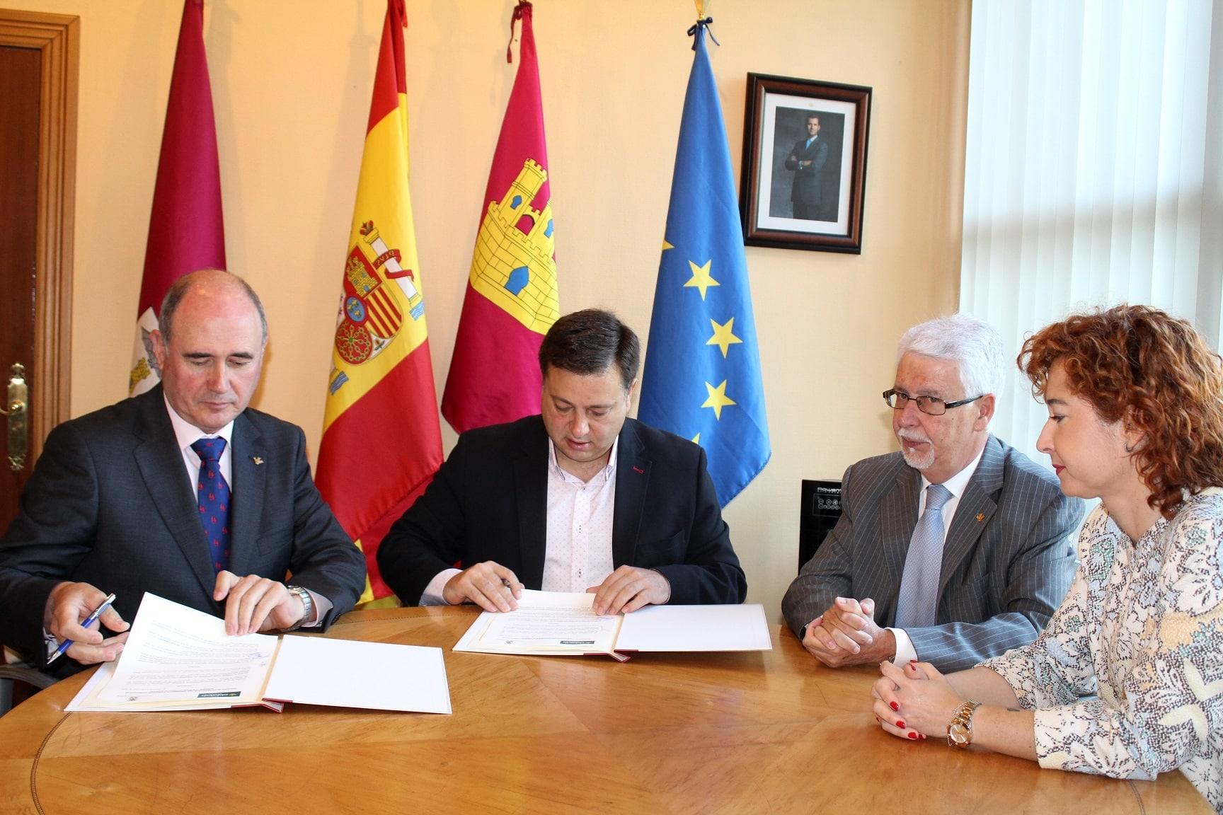 https://blog.globalcaja.es/wp-content/uploads/2018/06/Foto.Firma-convenio-Globalcaja.11-6-18.jpg