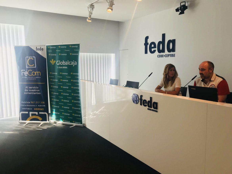 FECOM y Globalcaja dan notoriedad al comercio de Albacete con su propia tarjeta regalo