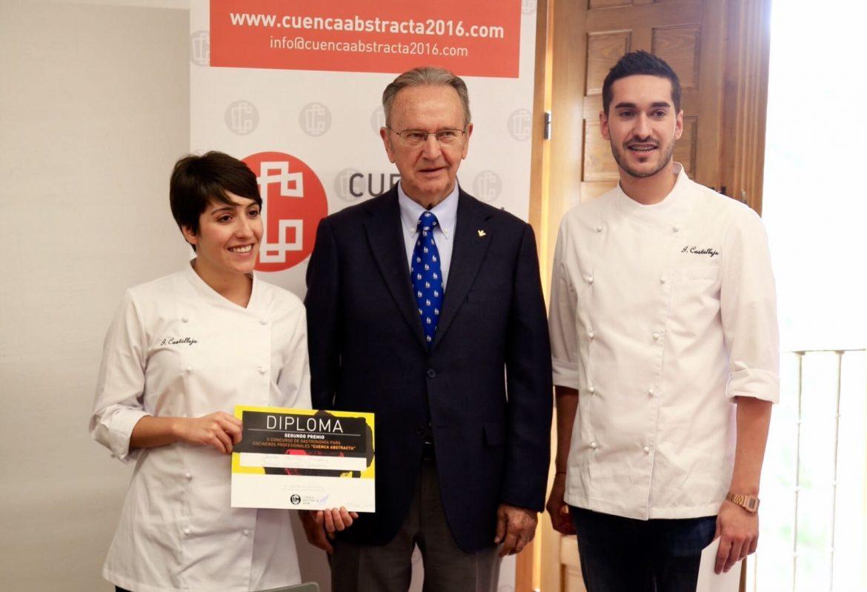 """El Presidente de la Fundación Globalcaja Cuenca, Carlos de la Sierra, en la entrega del II Concurso Gastronómico """"Cuenca Abstracta"""""""