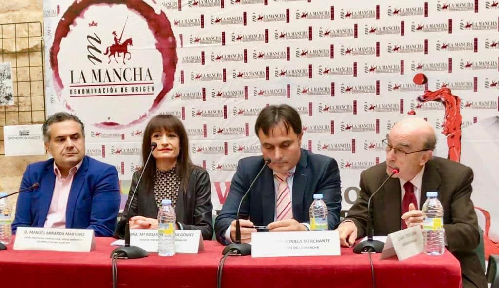 """Globalcaja, estuvo presente en los Premios """"Vino y Cultura"""" del Consejo Regulador de la D.O. La Mancha, como muestra de apoyo y compromiso con el sector vinícola"""