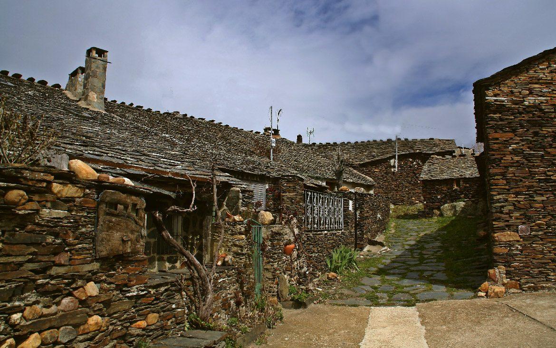Ruta por los pueblos negros de Guadalajara