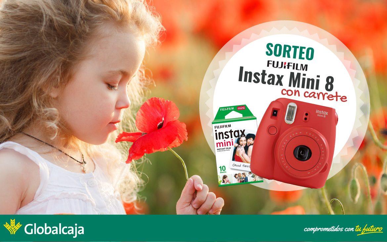 ¿Quieres ganar una Fujifilm Instax Mini 8? ¡Corre a nuestro Facebook!