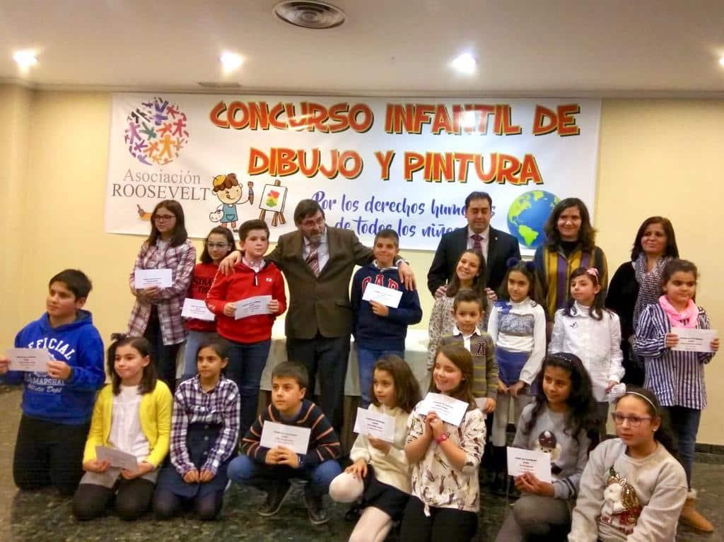 La Fundación Globalcaja colabora con el concurso de Dibujo y Pintura para Niños en la Escuela de Roosevelt