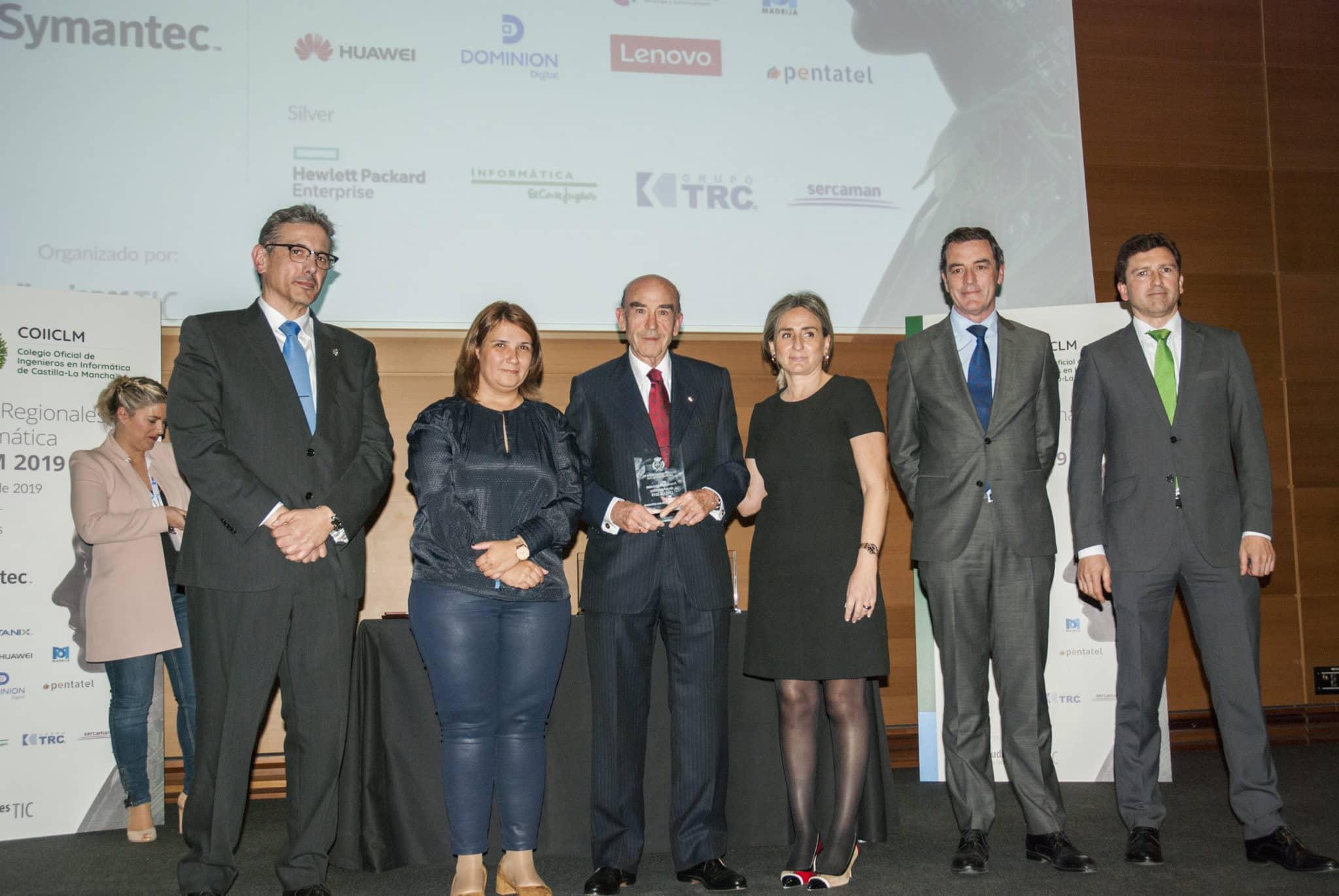 https://blog.globalcaja.es/wp-content/uploads/2019/02/Premio-COIICLM.jpg