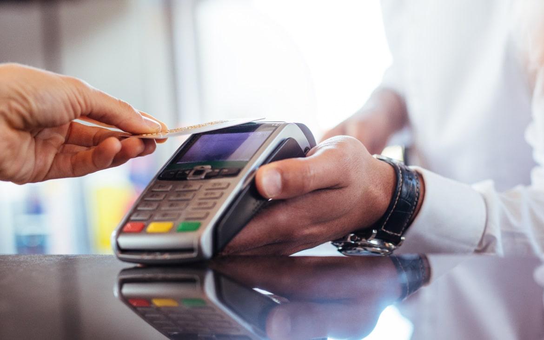 Tarjeta de crédito y débito, ¿cuál me interesa más?