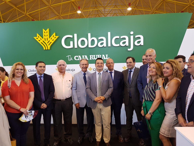 El Presidente de Globalcaja, Carlos de la Sierra, destaca el apoyo de la entidad a Fida y un producto estratégico como El Ajo Morado de Las Pedroñeras para la economía de Castilla-La Mancha