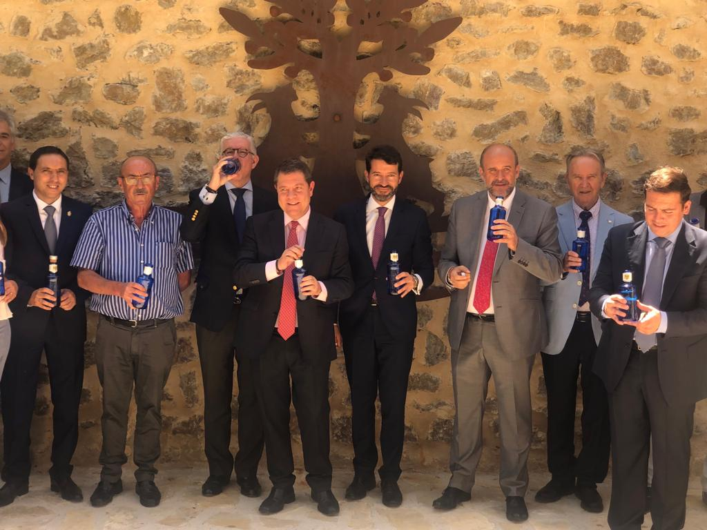 https://blog.globalcaja.es/wp-content/uploads/2019/07/Globalcaja-en-la-inauguración-de-los-22Baños-de-la-Reina22-de-Solan-de-Cabras-.jpg