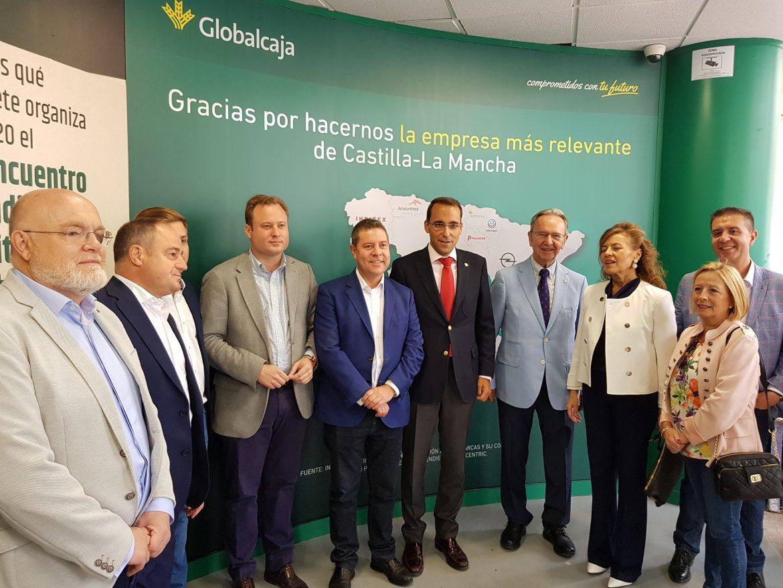 Emiliano García-Page y Vicente Casañ, en el stand de Globalcaja en la Feria de Albacete