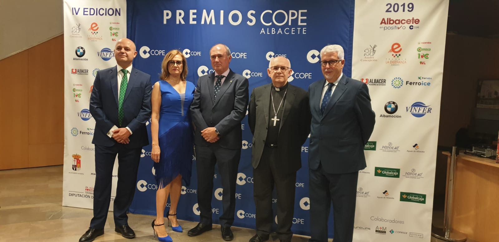 https://blog.globalcaja.es/wp-content/uploads/2019/10/Globalcaja-en-los-premios-Cadena-Cope-en-Albacete-.jpg