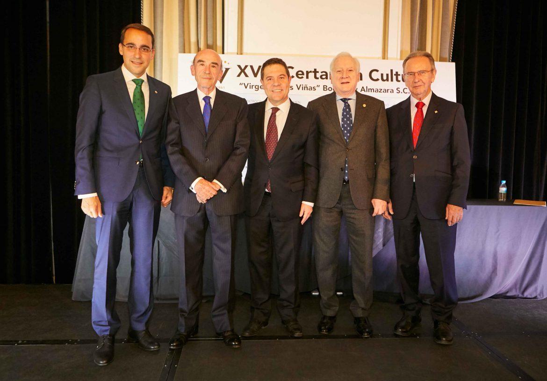 El Presidente de Globalcaja, Carlos de la Sierra, en la entrega de los Premios del Certamen Cultural Cooperativa Virgen de las Viñas