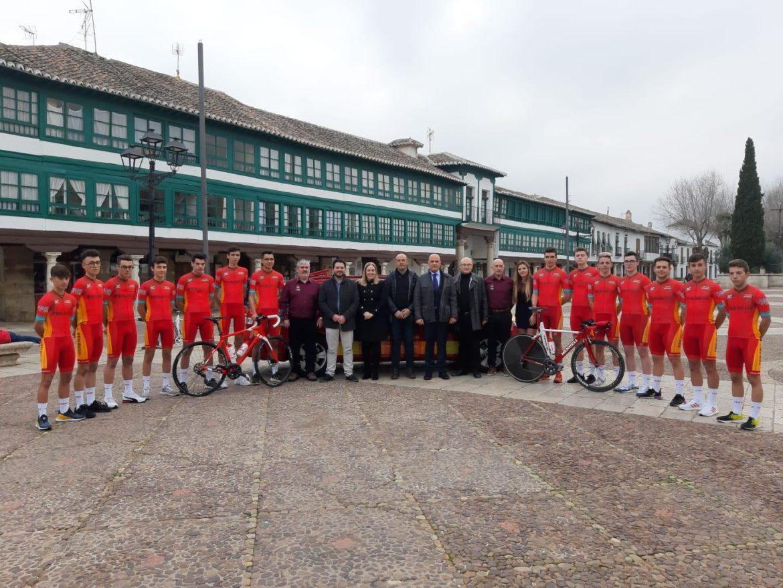 Globalcaja colabora, una temporada más, con el equipo ciclista Fenavin