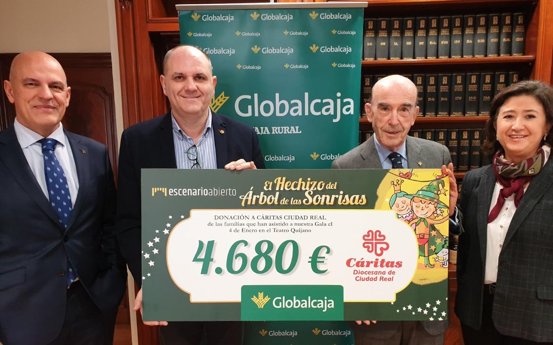 Globalcaja materializa el compromiso social de 'El Hechizo del Árbol de las Sonrisas'