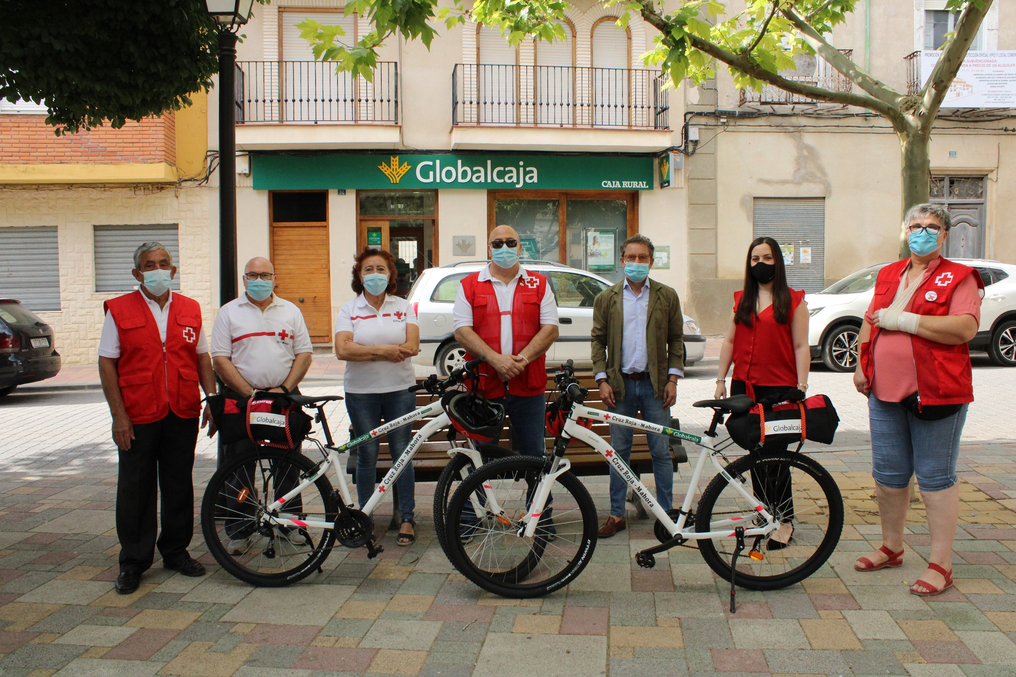 https://blog.globalcaja.es/wp-content/uploads/2020/07/entraga-bicis-cruz-roja-medicalizadas-mahora.jpg