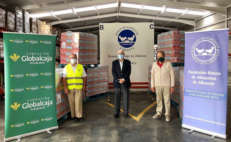 https://blog.globalcaja.es/wp-content/uploads/2020/09/entrega-leche-globalcaja-banco-alimentos-albacete-1-1170x720.jpg