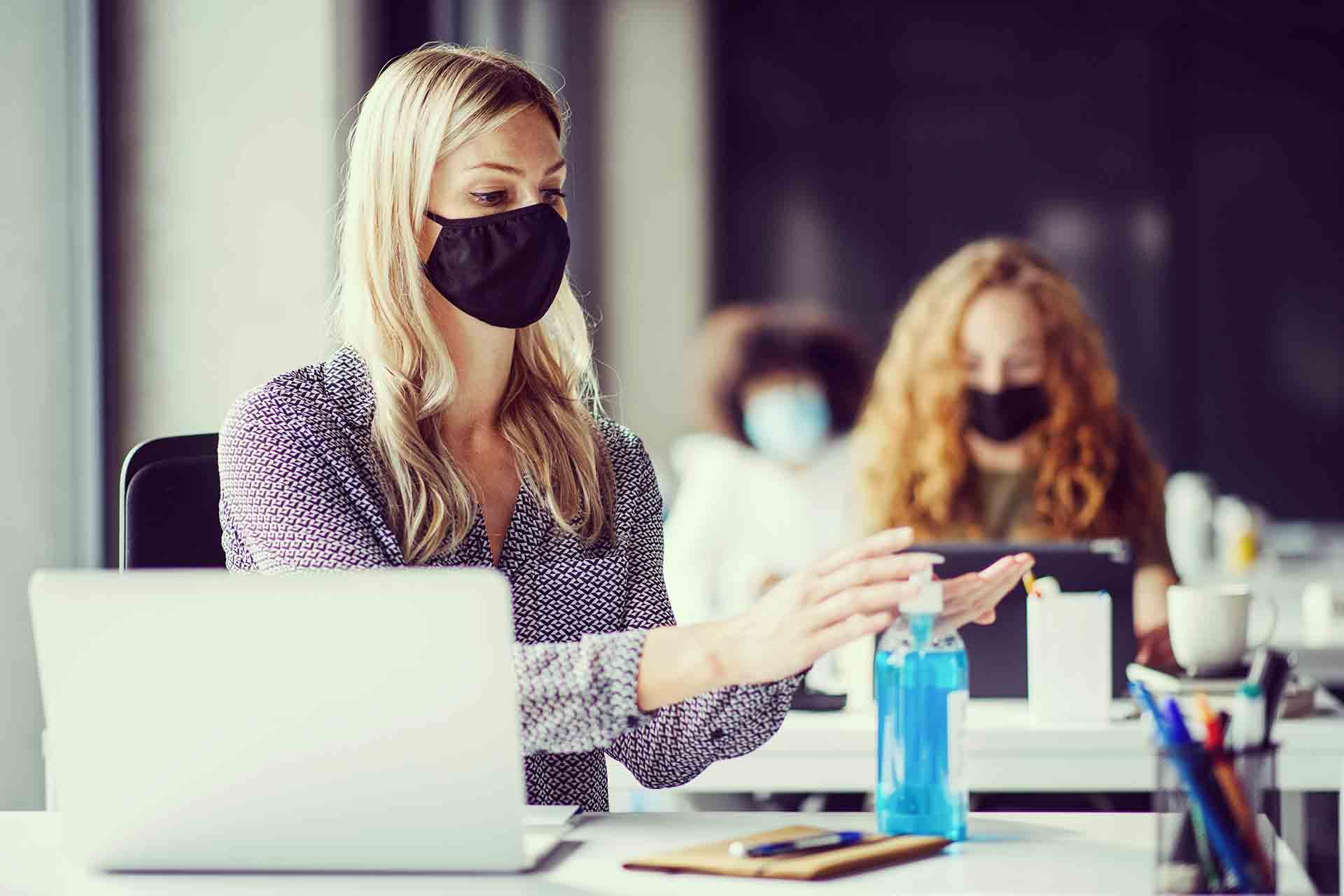 Hábitos para ser sostenibles en la oficina